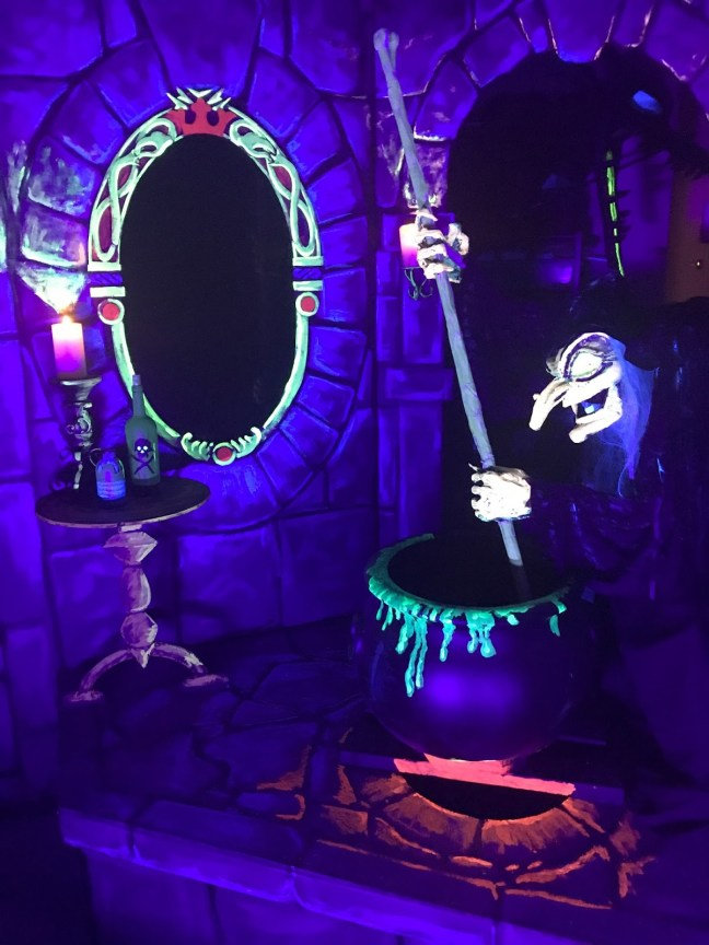 Animated Snow White Evil Witch Halloween Prop Blacklight Disney-esque Dark Ride-Like Scene