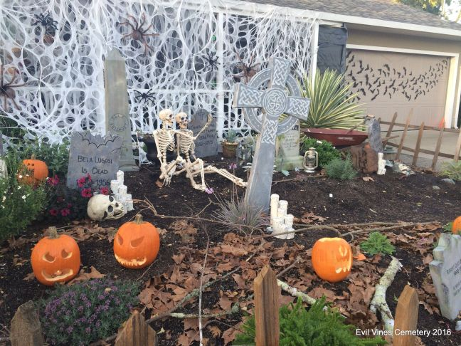 Evil Vines Cemetery Outdoor Yard Haunt Scene
