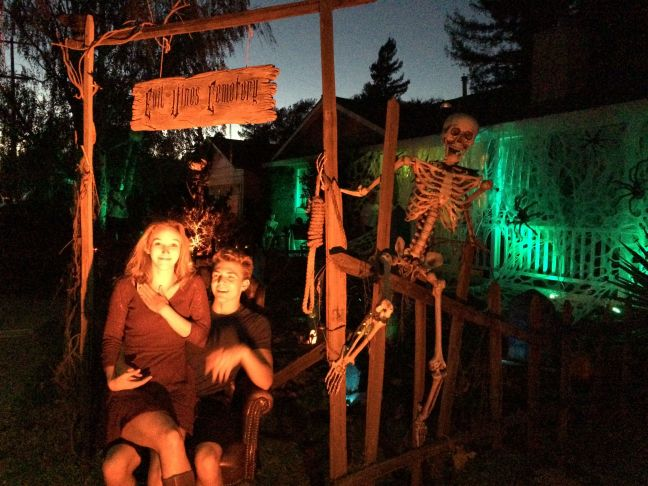 Evil Vines Cemetery Outdoor Yard Haunt Posting With Skeleton at Entrance Gate