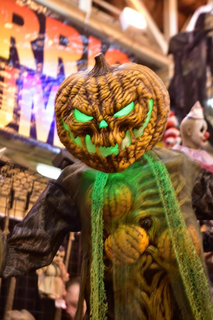 Halloween Asylum props 3