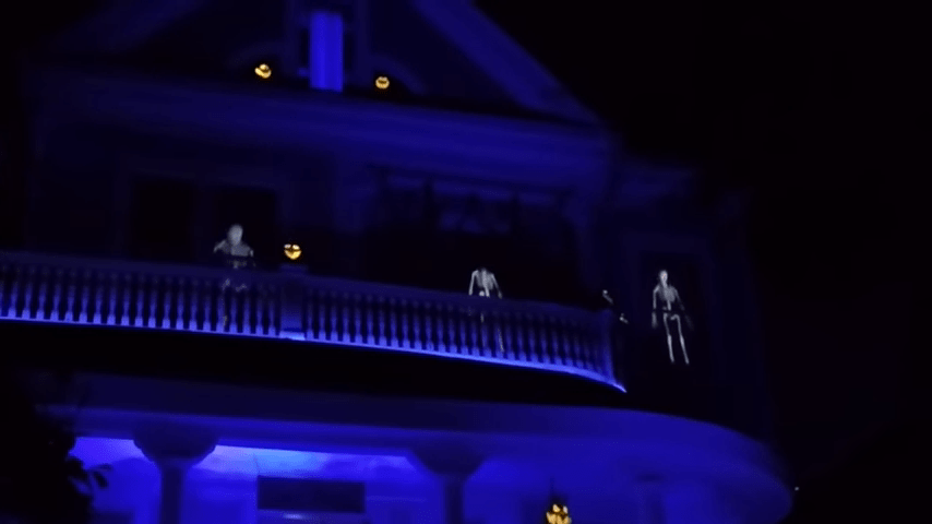 Ghost Manor Halloween Decorated House Show Skeletons Thriller Dance