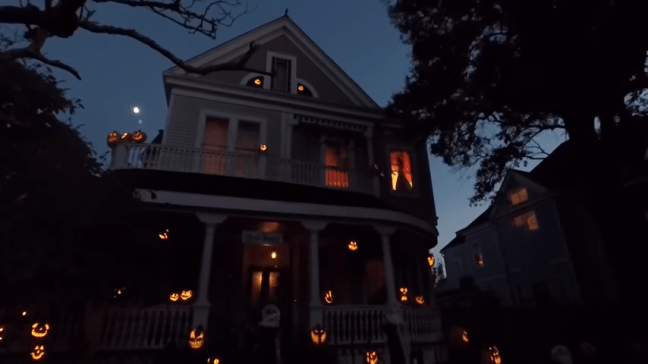 Ghost Manor Halloween Decorated House Show Fire Effect