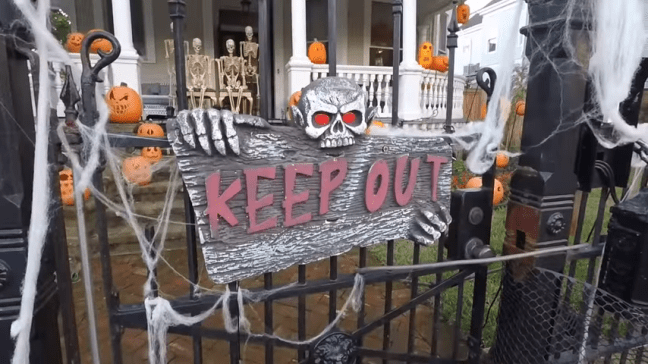 Ghost Manor Halloween Decorated House Show Keep Out Sign