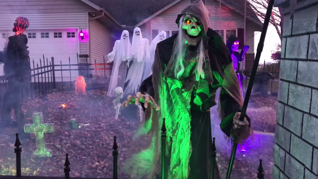 Halloween Graveyard Decoration with Animatronics Lighted Skeleton