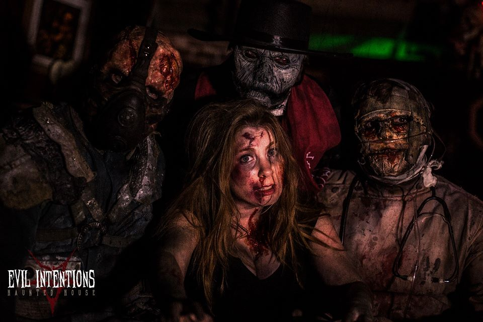 Evil Intentions Scariest Haunted House Illinois Zombie Actors