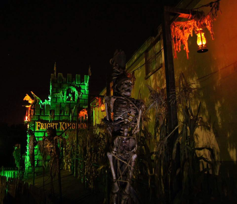 Fright Kingdom Scariest Haunted House in the US Outdoor Night Set