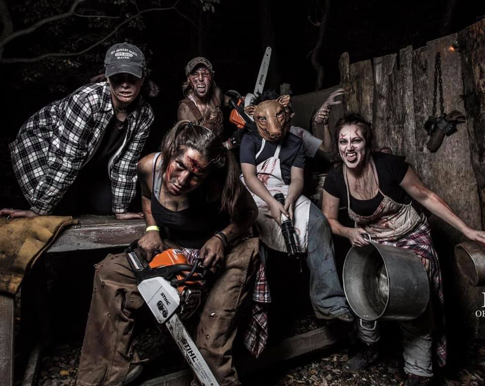 Legends of Fear Scariest Haunted House Chainsaw Group