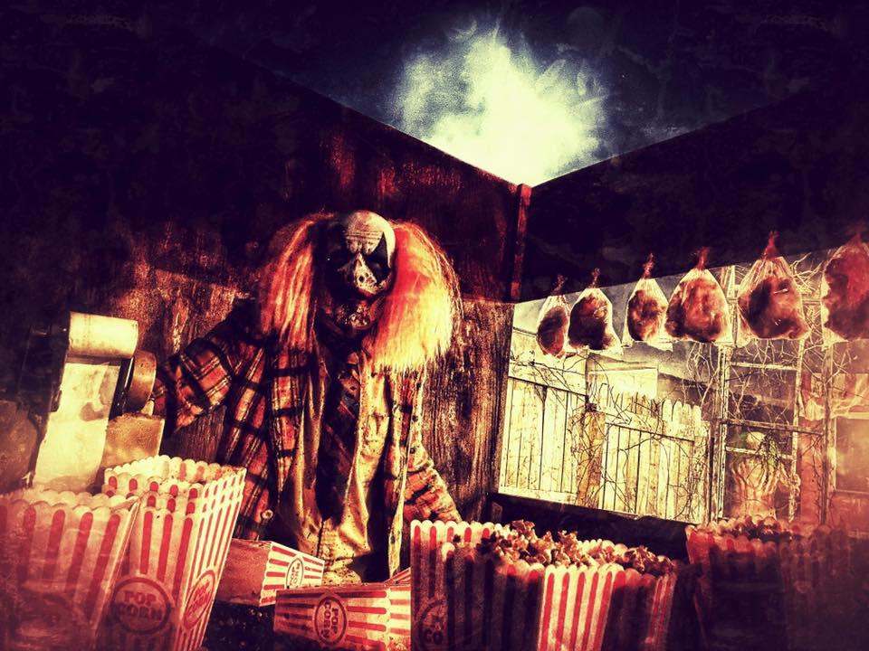 Chamber of Terror Haunted House Creepy Clown