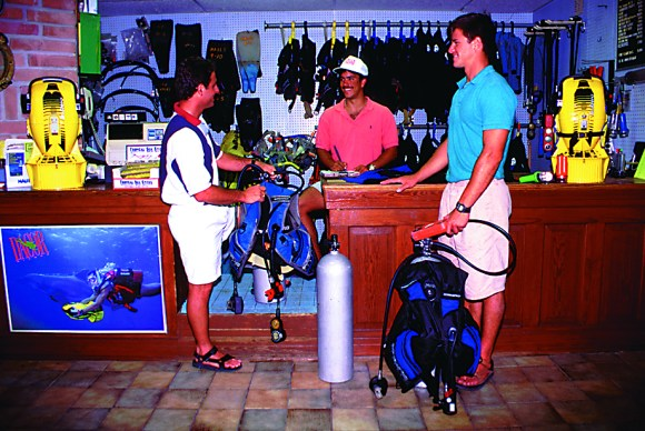 Scuba Diving Resort Sales and Operations Training | Hall's ...