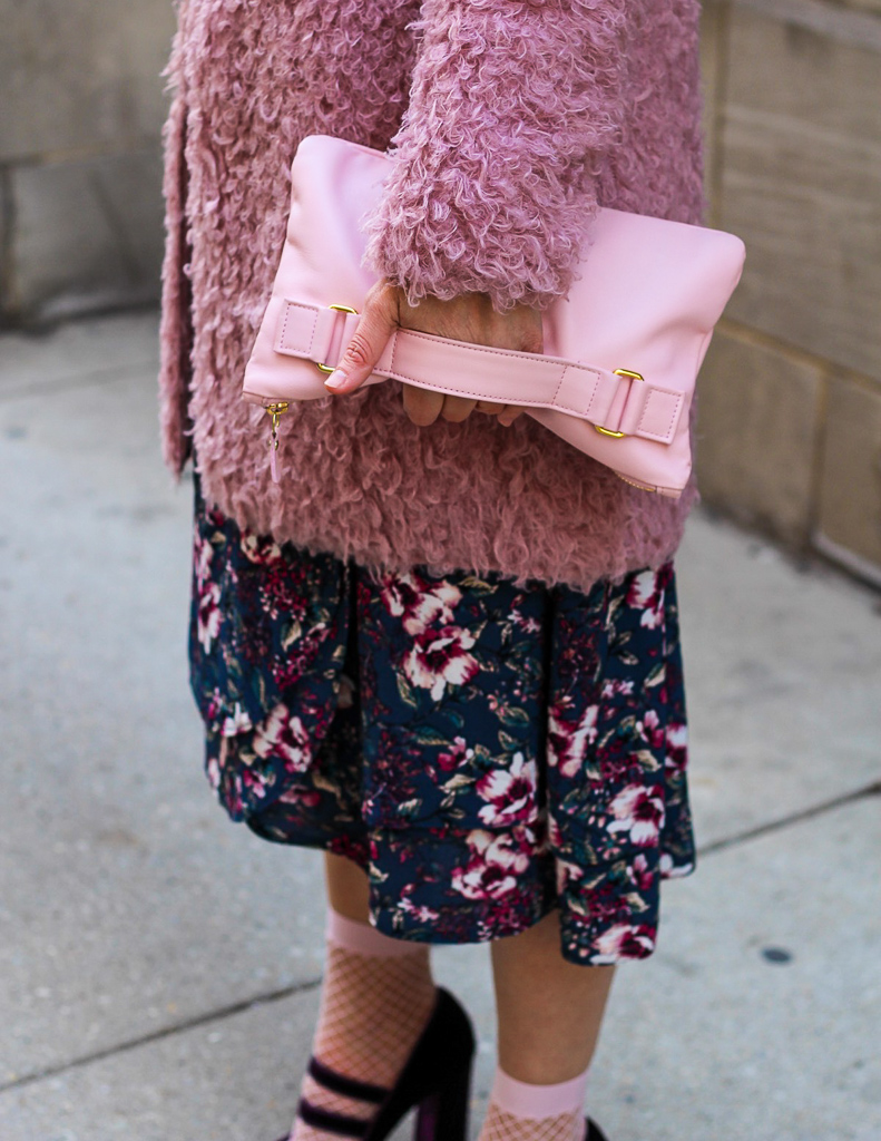 holly and tanager pink clutch