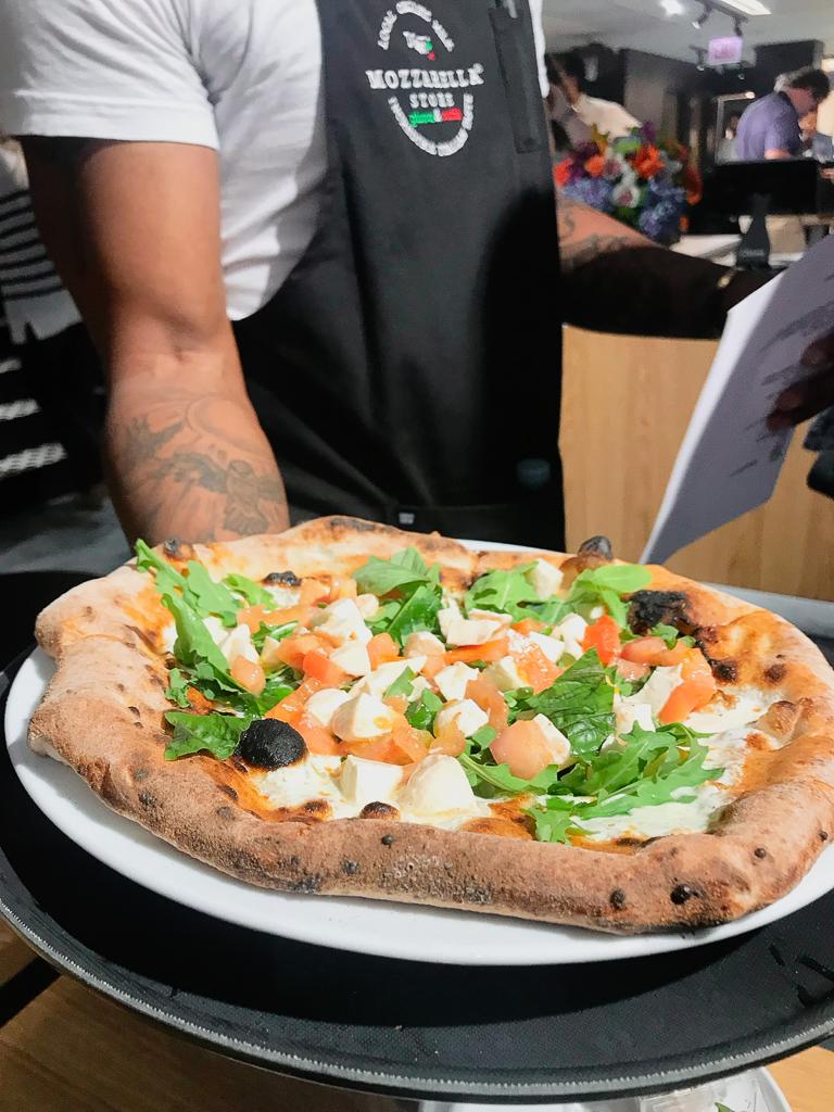 Mozzarella Store oven pizza