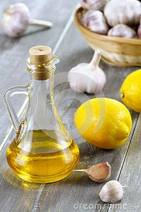 olive-oil-lemon-garlic-27057444