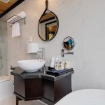 Halong Serenity Cruises Bathroom