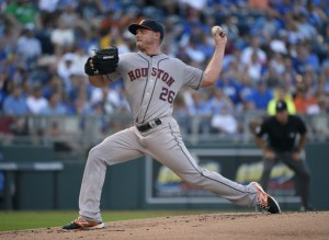 Scott Kazmir delivers a pitch during the first inning of his Astros debut against the Kansas City Royals at Kauffman Stadium on July 24, 2015 (Ed Zurga/Getty Images)