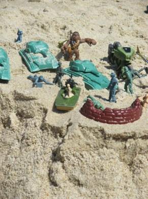 Chewbacca, landspeeder, army tanks