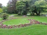 scroll flower bed