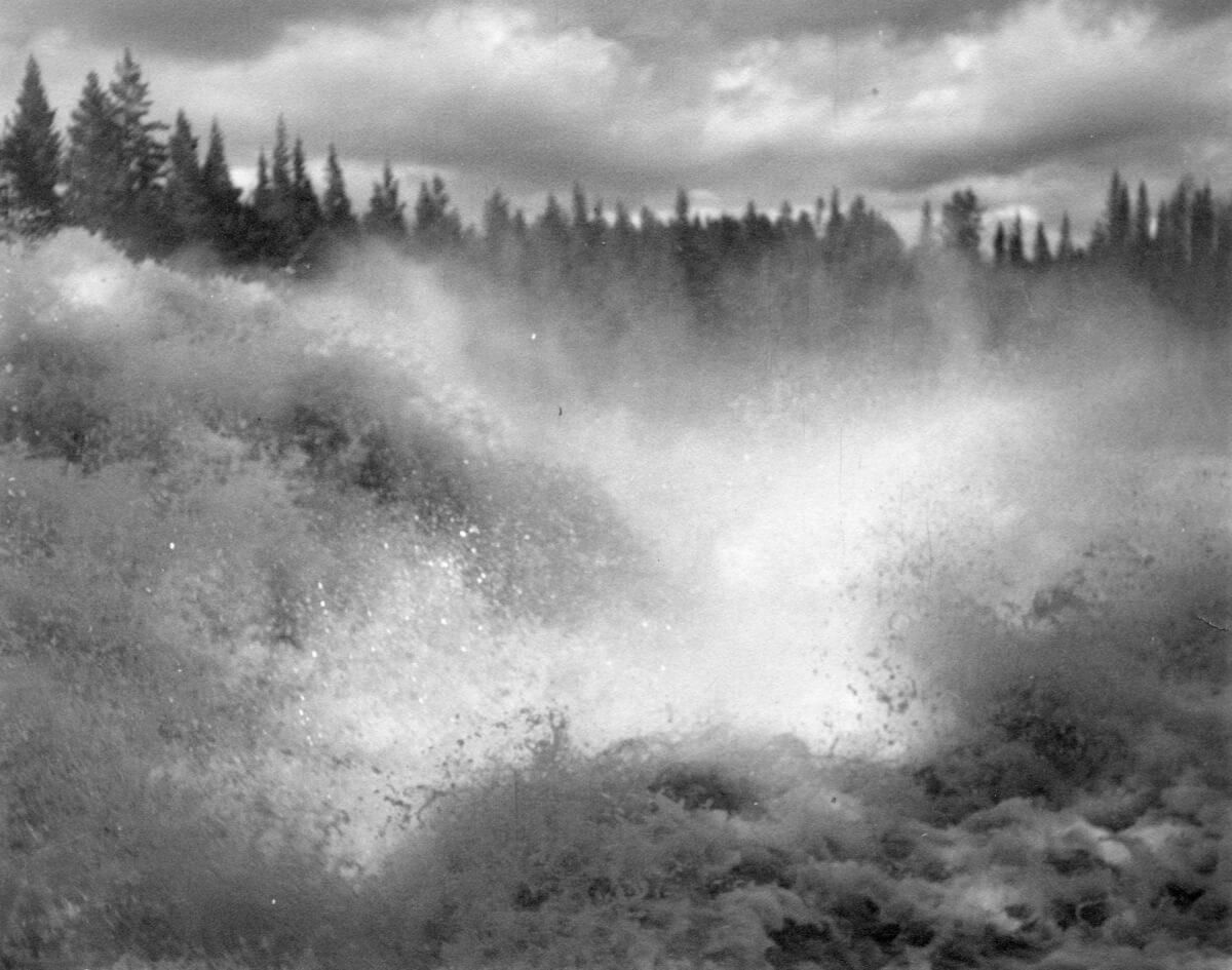 Virvlande vattenfall.