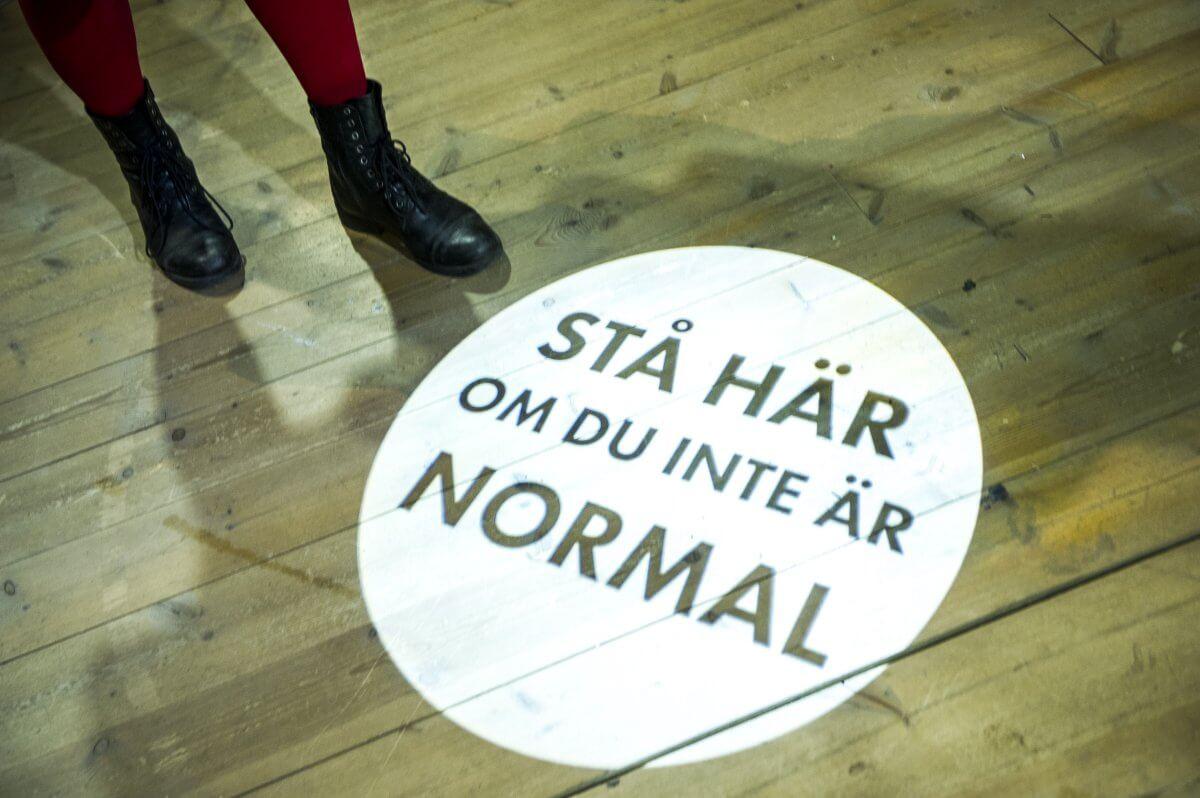 Stå här om du inte är normal