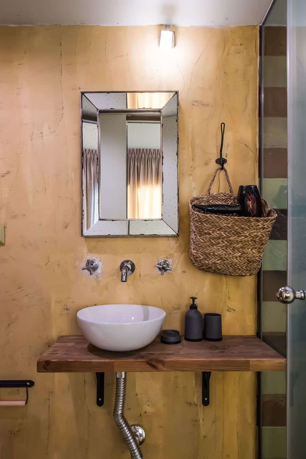 #TheShop Bathroom with Shower and WC