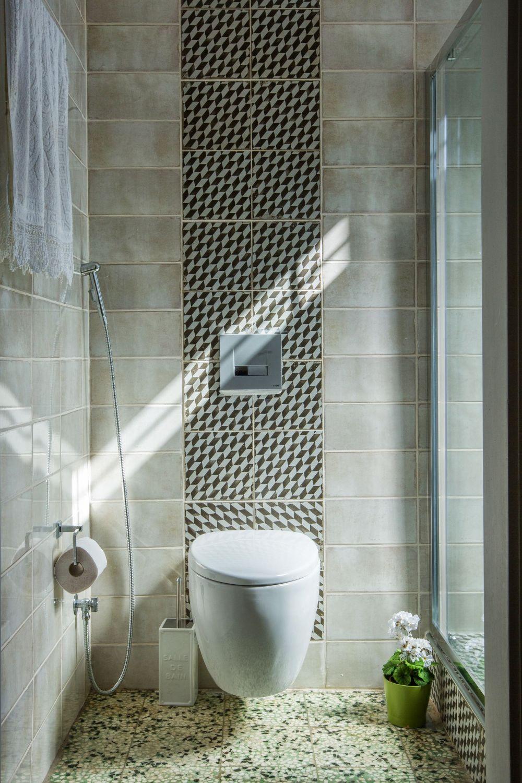 Ouziel Bathroom 1