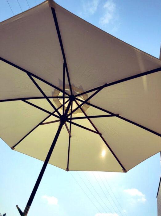 【レビュー】おしゃれなお庭に!3選ガーデンテーブルチェア・パラソル・ソーラーライトを買ってみた!お庭が生まれ変わりました