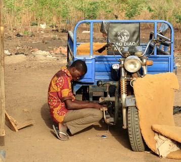moto-trois-roues-circulation-afrique