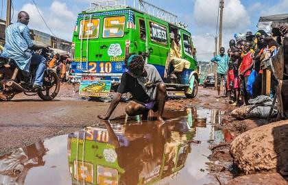 #Mali Sensibiliser sur les conditions des fous avec la photographie