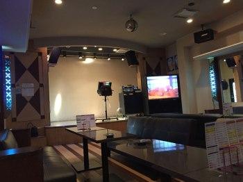 カラオケ&スタジオ&ステージ付き大ホール!