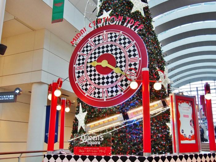 クイーンズスクエアのクリスマスツリー2018