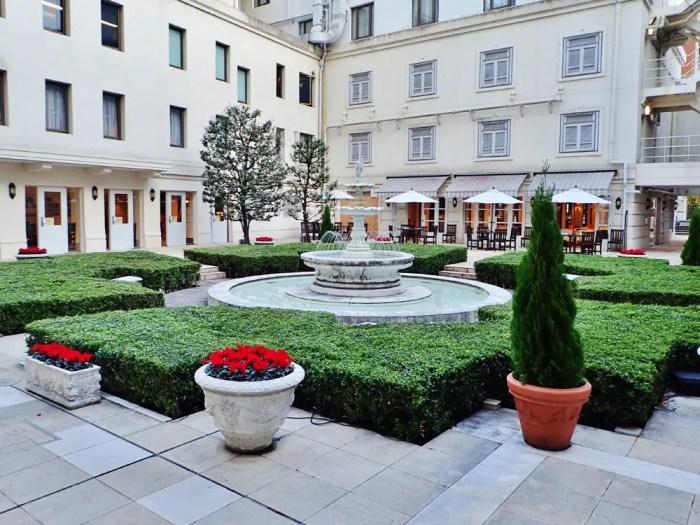 ホテルニューグランドの中庭