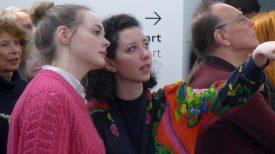 Besucher der Vernissage in der Kunsthalle