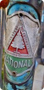 Emblem der Hainsberger Metallwerke