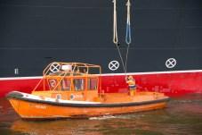 Festmacher an der Queen Mary 2