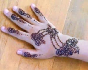 Motif Henna Kaki Simple