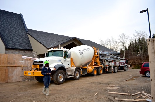 The cement truck and the pump truck