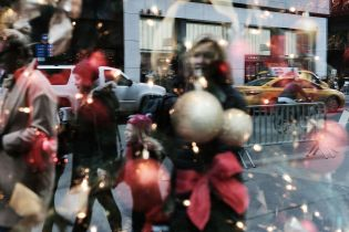 Dan Celia for CNS News: Consumers Are About as Jolly This Christmas Season as They've Been in a Very Long Time