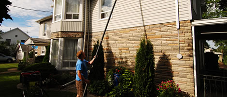 Hamilton-Commercial-Eavestrough-Cleaning