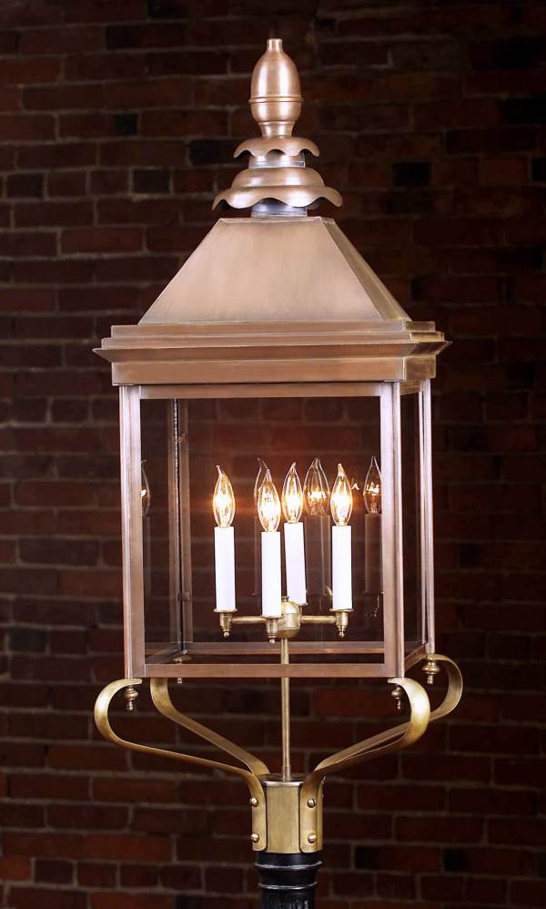 Old Colonial Light Post Lantern