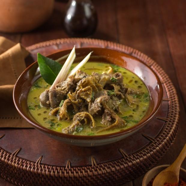 Empal gentong makanan khas sunda asli