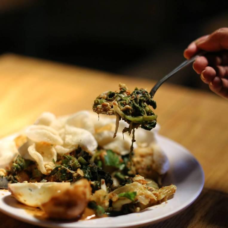 Lotek Makanan Khas Sunda Asli