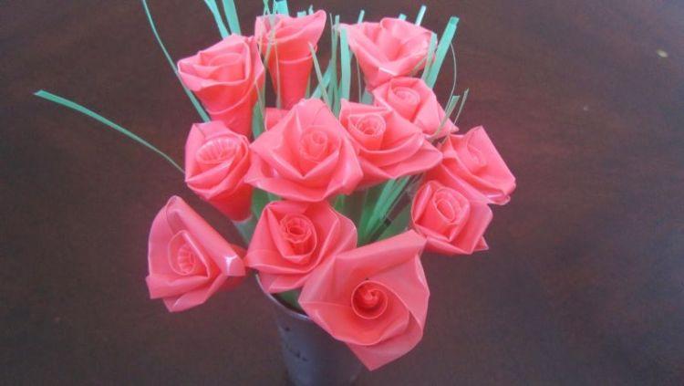 kerajinan bunga dari plastik