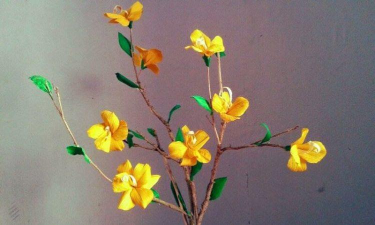 cara membuat bunga dari kulit jagung