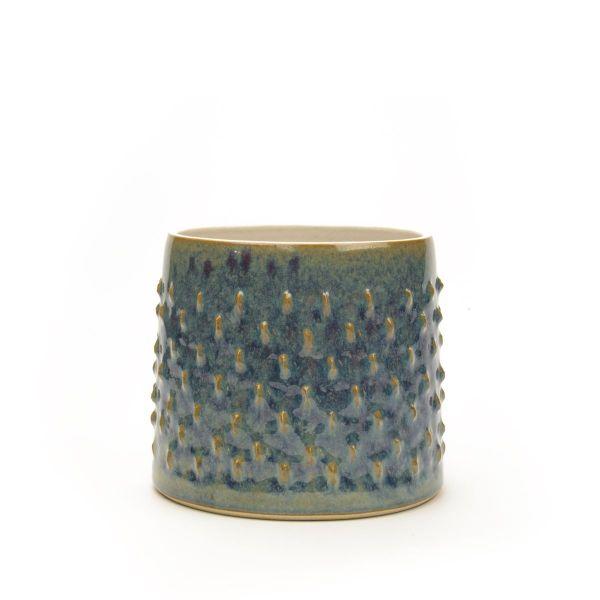 Luksuøs Torn vase og urtepotteskjuler i stentøj med ilmenit-glasur- hånddrejet hos Hampen Keramik