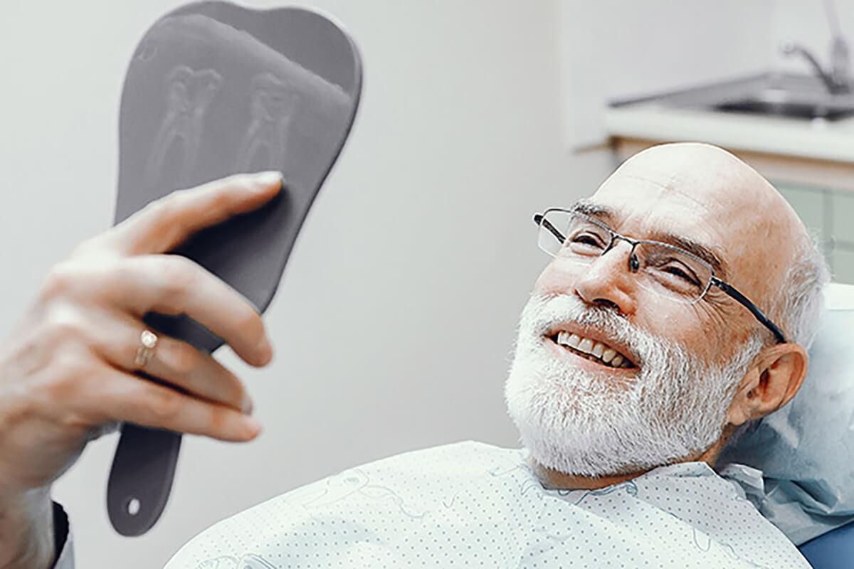 https://i0.wp.com/hampsteaddental.com.au/wp-content/uploads/dentures-mobile-opt.jpg?fit=1200%2C800&ssl=1