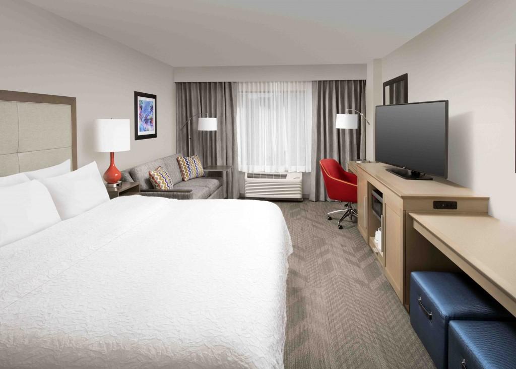 Hampton Inn  Suites by Hilton  AnaheimGarden Grove