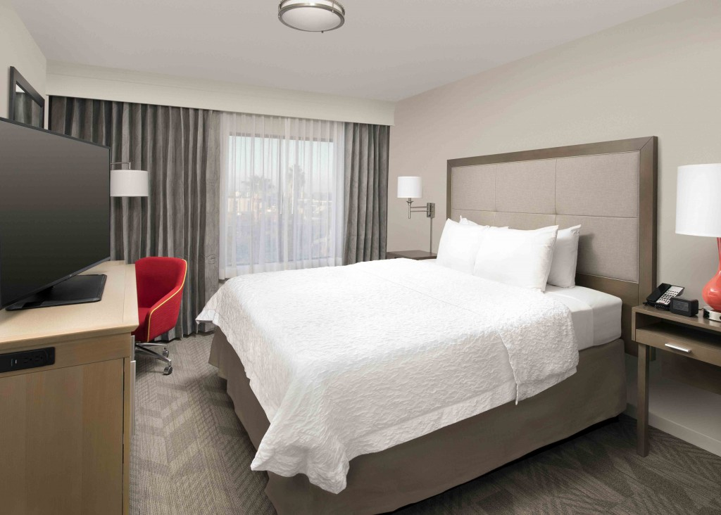 Hampton Inn  Suites by Hilton  AnaheimGarden Grove