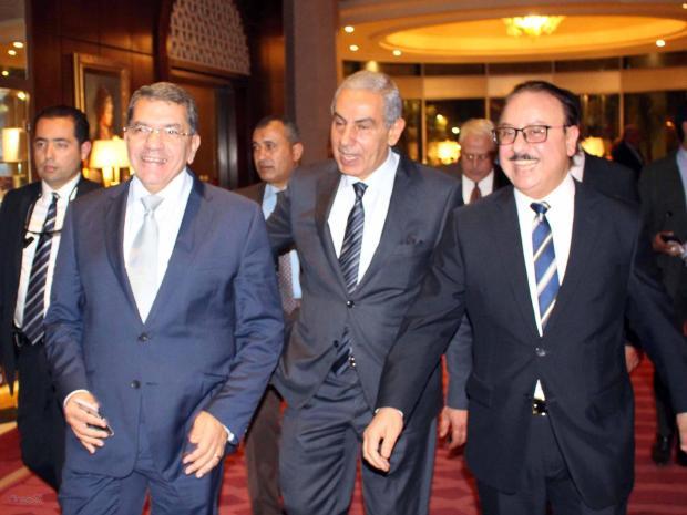 وزير الاتصالات ياسر القاضى وعدد من الوزراء