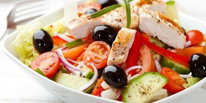 سلطة دجاج للرجيم …رائعة وممتازة للصحة