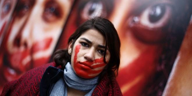 تقرير صادم: المتزوجات الأكثر عرضة للعنف وبيوت الدعارة أكثر أمنا من عش الزوجية