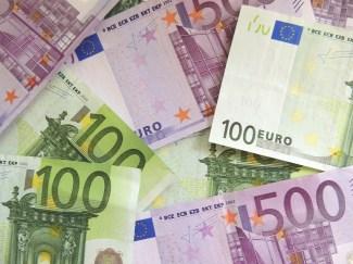 Jeder soll genug Geld zum Leben bereits vom Staat erhalten. Wir stehen für das bedingungslose Grundeinkommen von 2000 Euro.